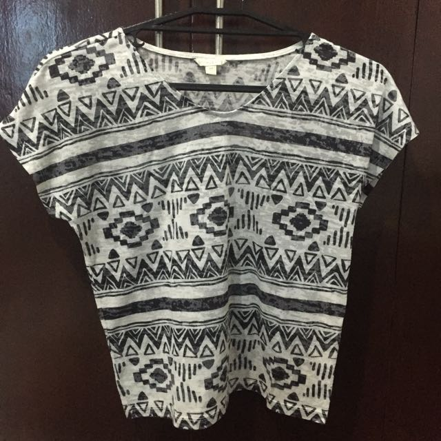 BNY Jeans Black and White Aztec Cropped Top