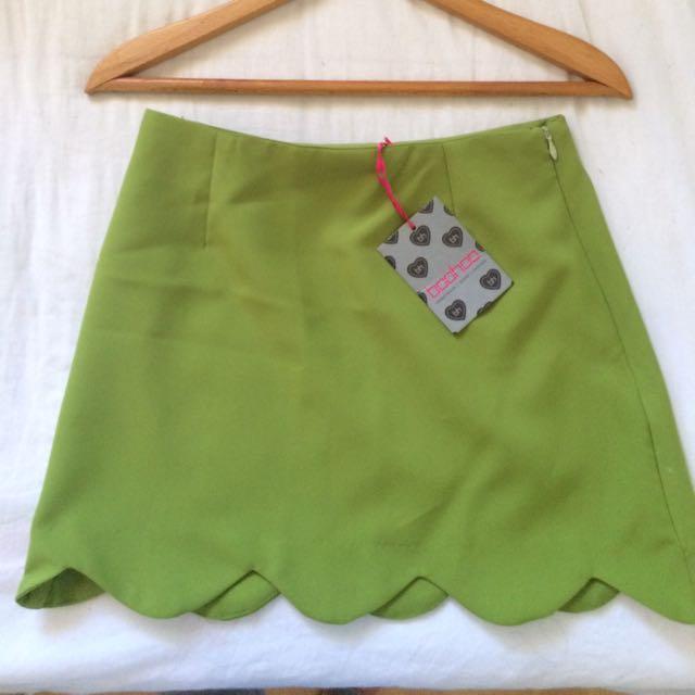BOOHOO skirt scalloped hem green