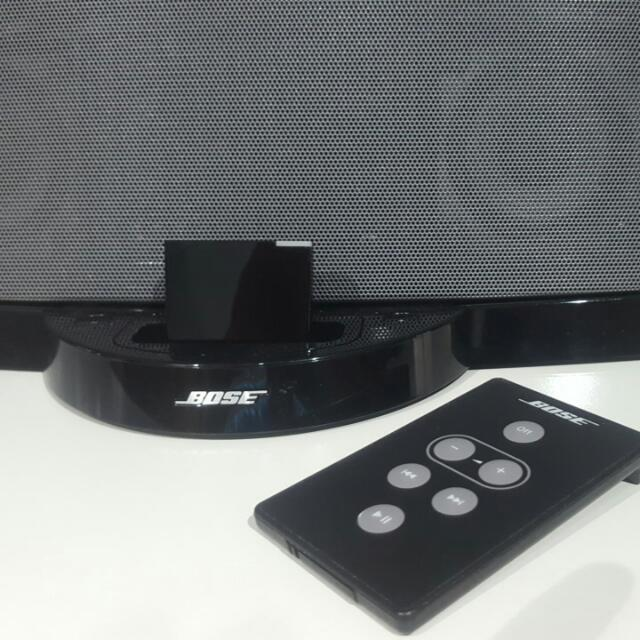 Bose Sounddock Digital Music System (Upgraded With Bluetooth Receiver)