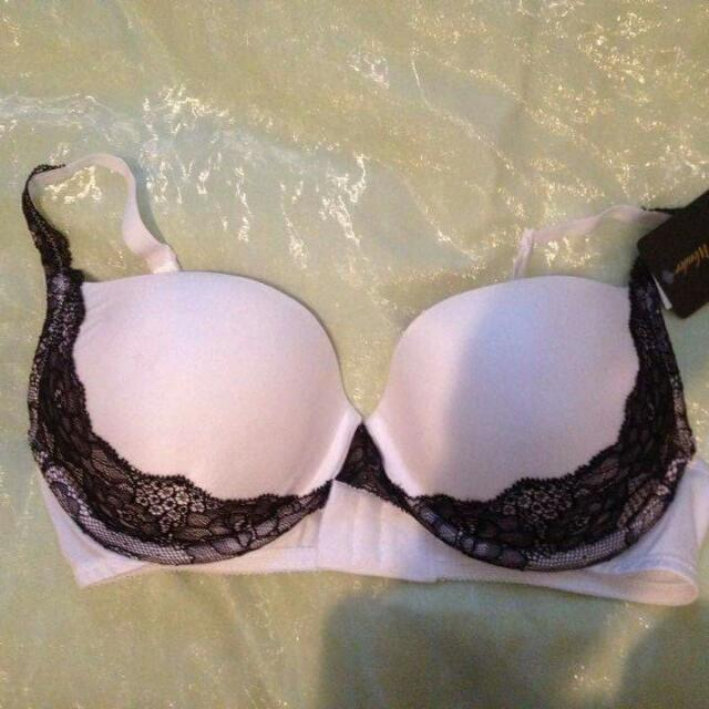 Brand New White And Black Lace Wonderbra Wonder Bra Size 12D BNWT Sexy Lingerie RRP $40 Push Up Pushup