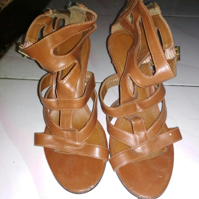 CHARLES & KEITH WEDGES ORIGINAL 36