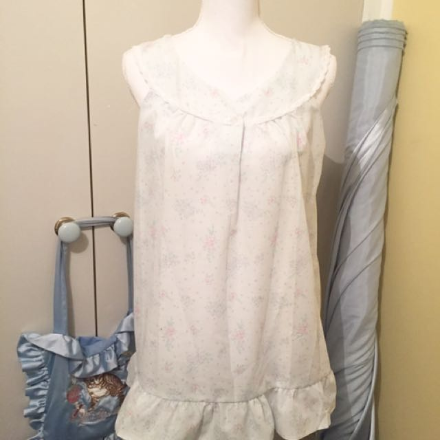 Floral Link Blue And White Day Dress Ruffle Hem Vintage