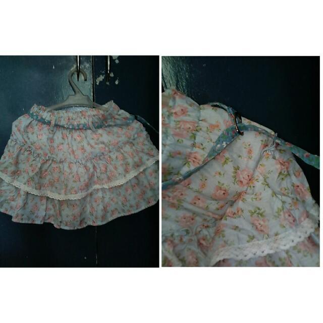 Floral Skirt w/ Belt. 😊