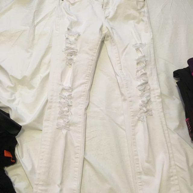 FRAME Jeans (aritzia)