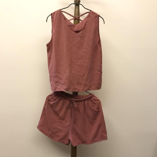 🌈fun fun store🦄玫紅色交叉背心+綁帶褲