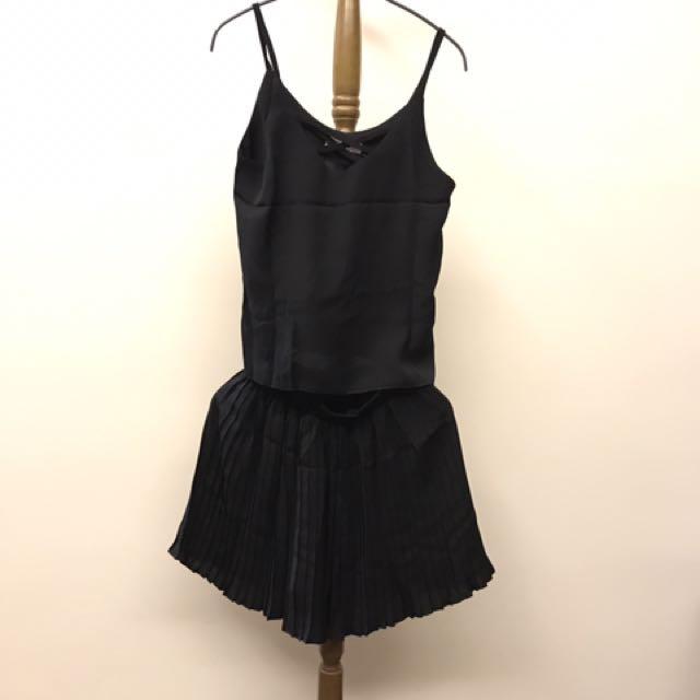 🌈fun fun store🦄黑色細肩交叉上衣+綁帶褲