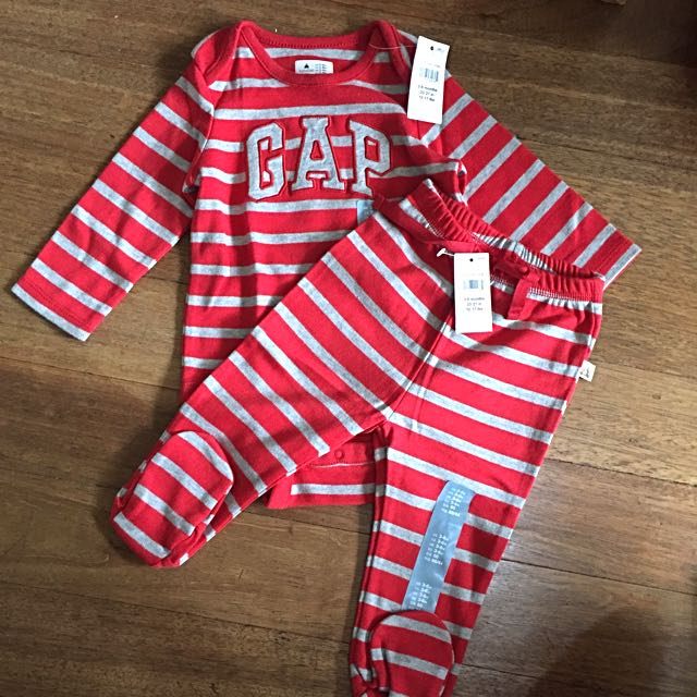 Baby Gap set Clothes