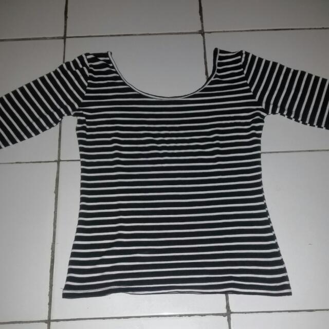 Lowback stripe hitam