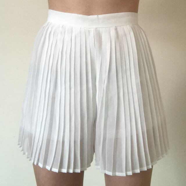 MIA Pleated High Wasted Shorts