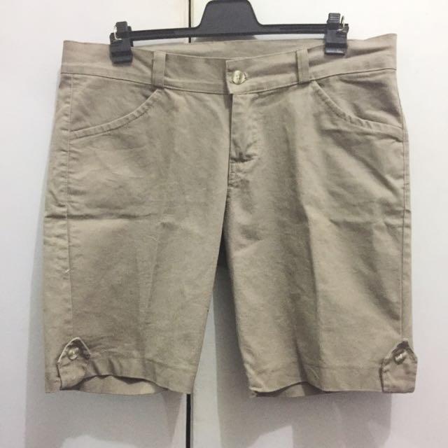 [Never Been Worn] Khaki Shorts