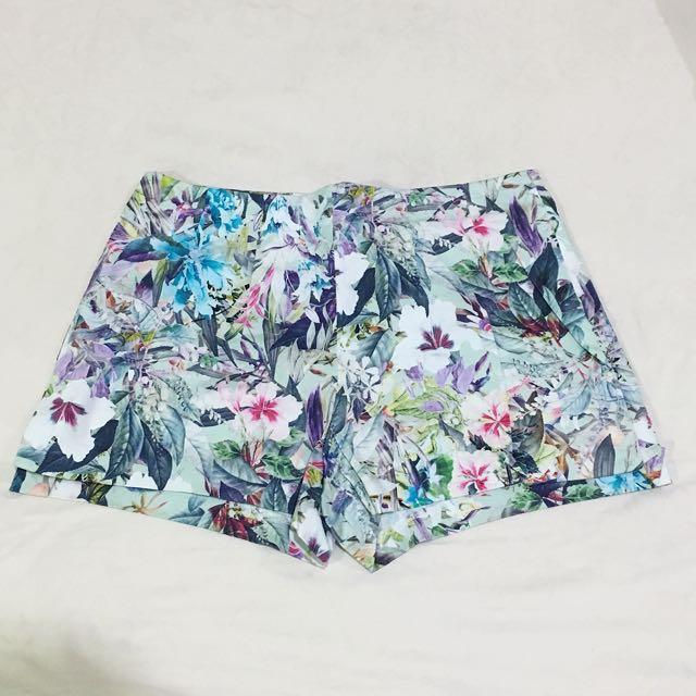 NEW Zara Floral Shorts