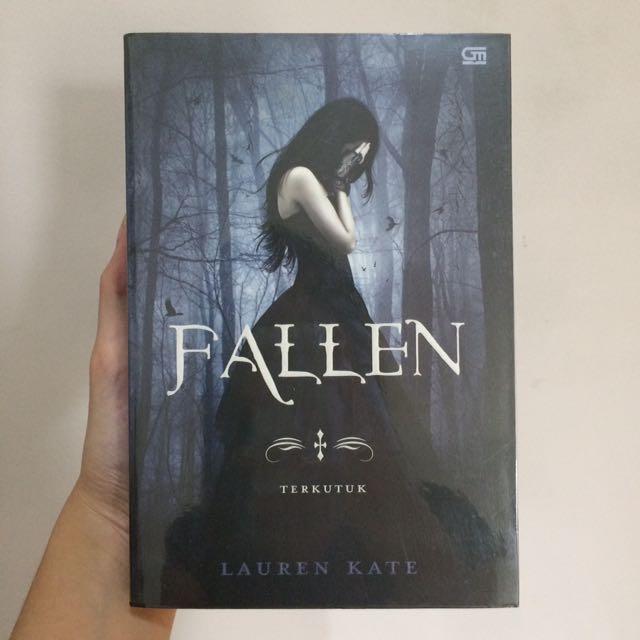 """Novel Terjemahan """"FALLEN"""" (Karya : Lauren Kate)"""