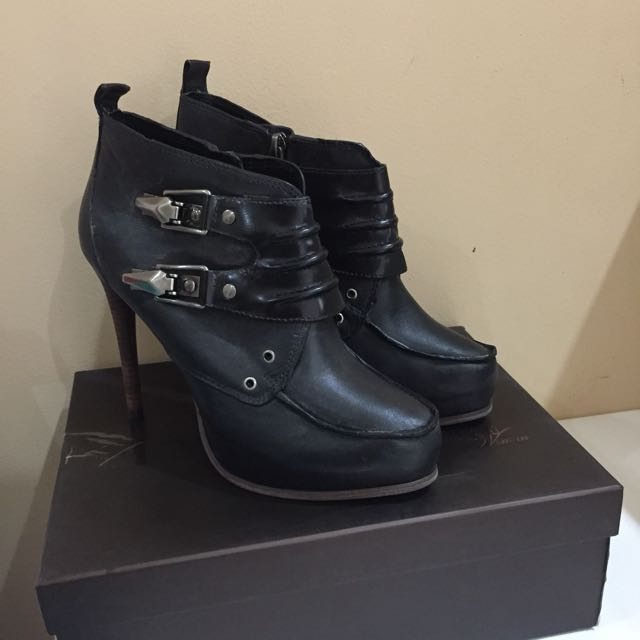 Ori Pedro Leather Boots Heels
