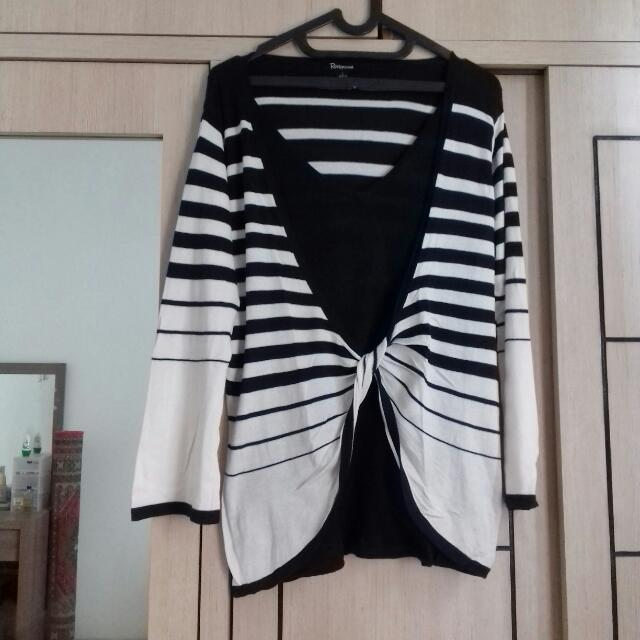 Preloved Sweater Garis