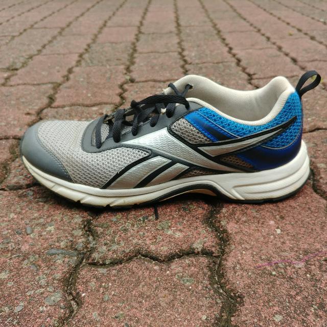 Sepatu Sport Reebok Original
