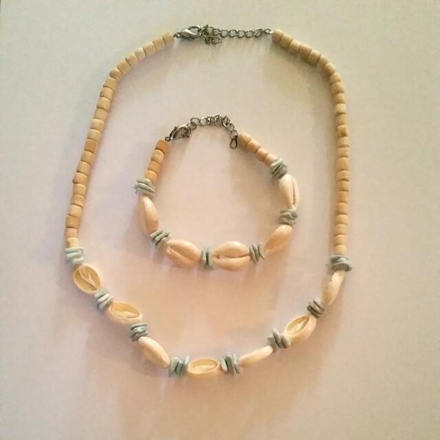 Shell Necklace & Bracelet Set