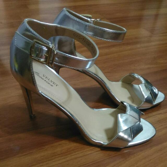 Silver Bow High Heels