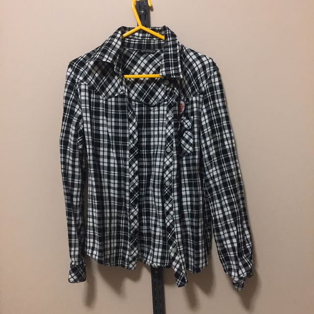 (size - s) Nobrand checkered shirt w heart patches