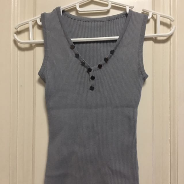 Stretched Sleeveless Gray Top XS