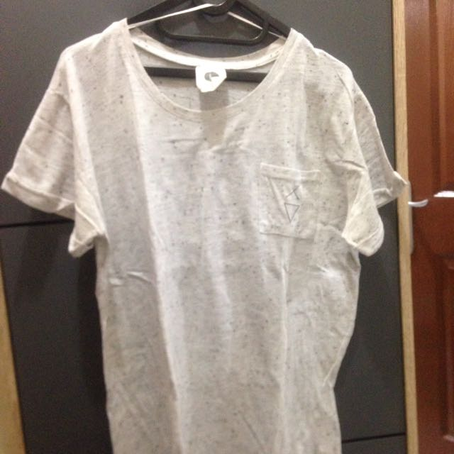 T-SHIRT COTTON ON MURAHH (preloved)