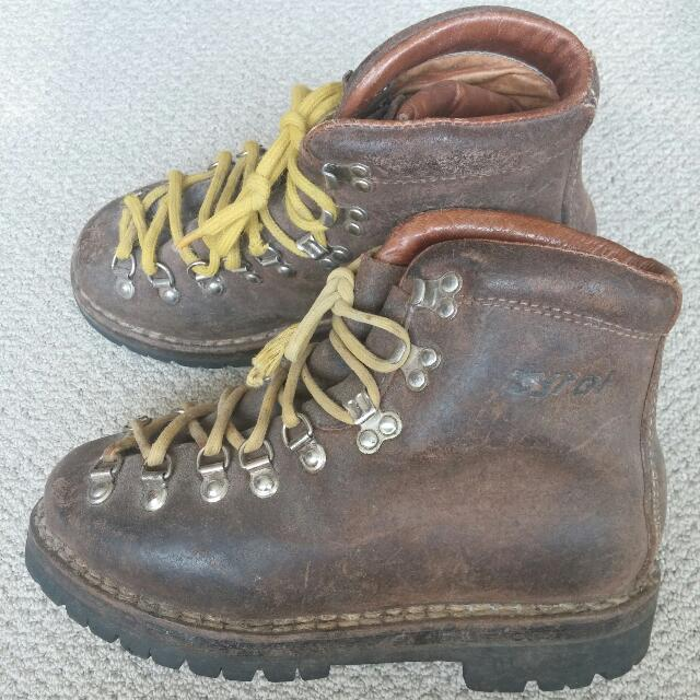 Tyral Italian Leather Hiking Boots