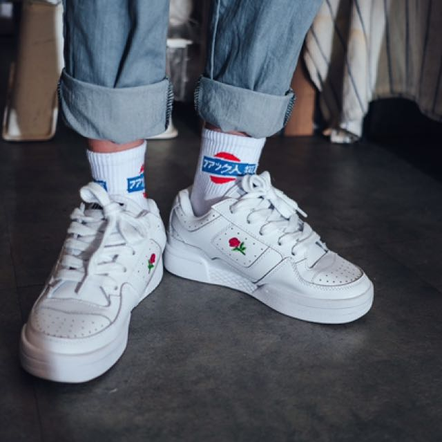 UNIF運動鞋NORMAS