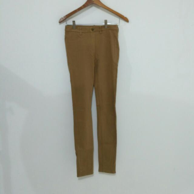 UNIQLO Legging Pants