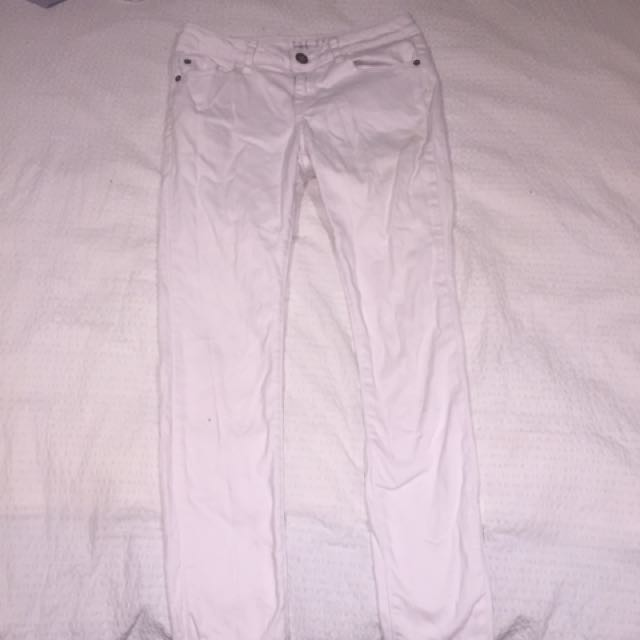 White mid rise jeans