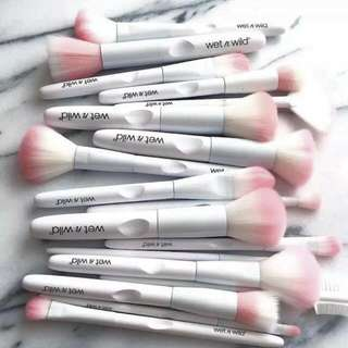 Wet N Wild Brush: Small Eyeshadow Brush #CarousellxShopBack