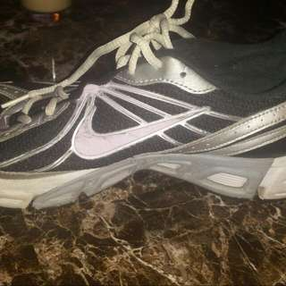 Womens Nike Running Shoes Size 11