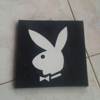 Hiasan Dinding Playboy