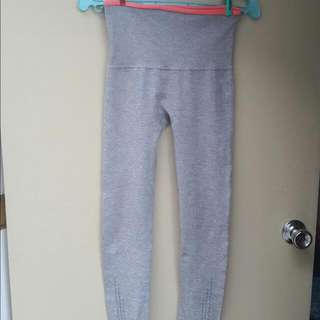 Gray Leggings Size Medium Php 150
