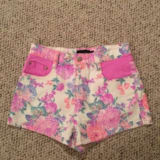 Mink Pink Highwasted Shorts