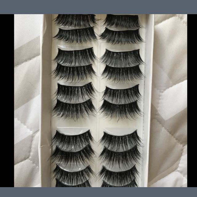 10 Pairs Of Thick Cross Party False Eyelashes