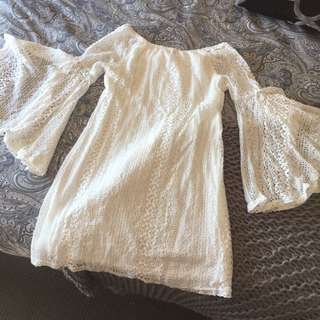 White Off The Shoulder Lace bellsleeve Dress