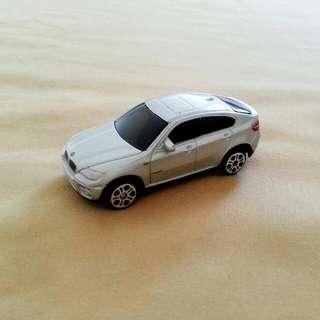 Maisto BMW X6 Miniature Toy Car