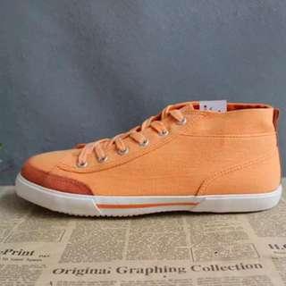 橙色絨併布鞋