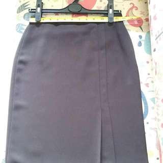 全新G2000斯文啡色半截裙 New G2000 brown skirt