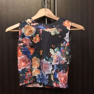 Floral Trurtle Neck Cropped Top