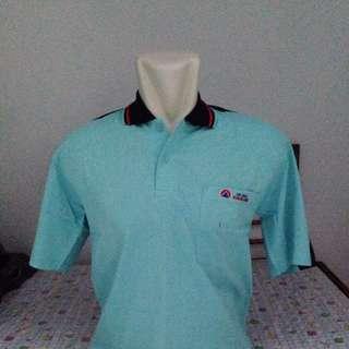 Kaos Berkerah Biru Muda