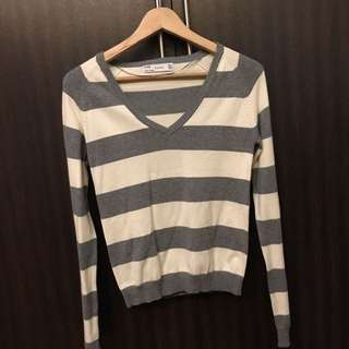 Zara Striped Grey And White Sweater