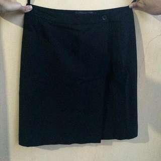 Invio Black Skirt