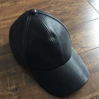 GUESS LEATHER HAT