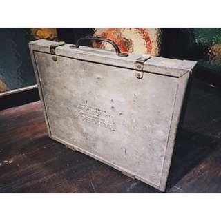 //ORI DECO工業風老件// 美國老手提零件箱