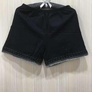 全新GOZO 兩穿黑色短褲