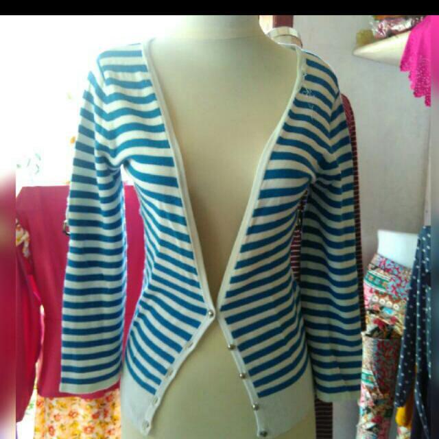 23. Stripe Biru Sweater