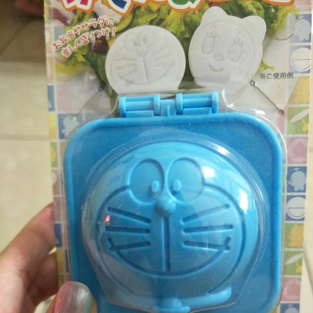 哆啦A夢壓模器
