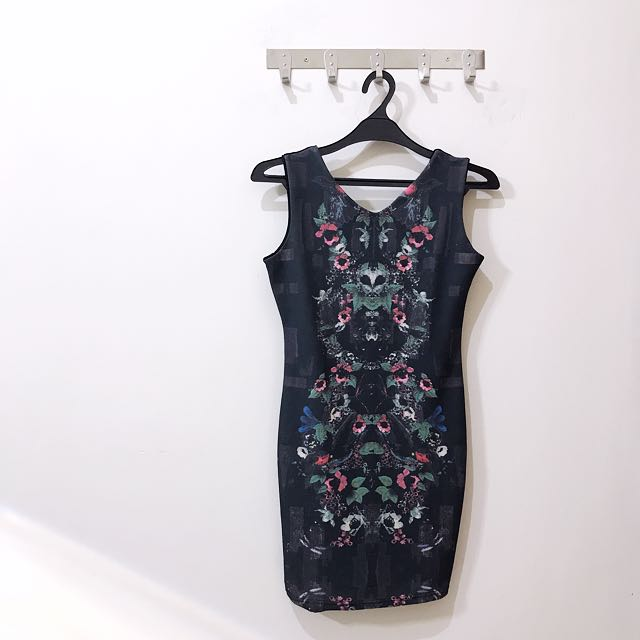 Abstract Dress Slim Fit