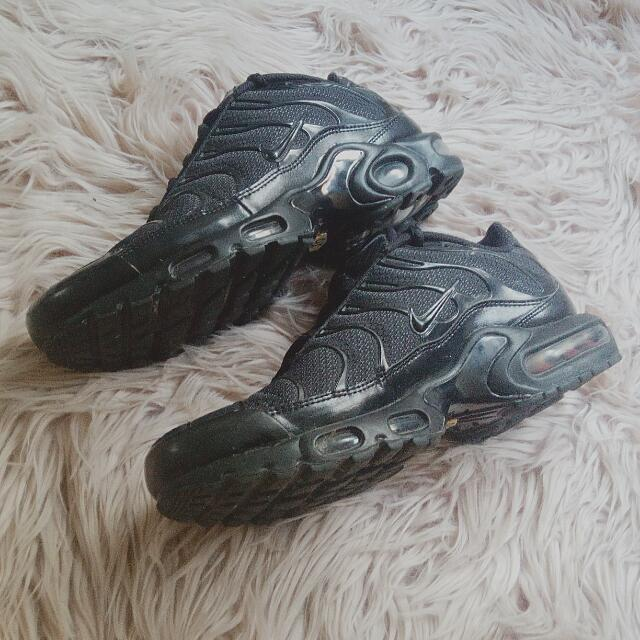 purchase cheap e26dc 96114 All Black Nike Tns, Women's Fashion, Shoes on Carousell