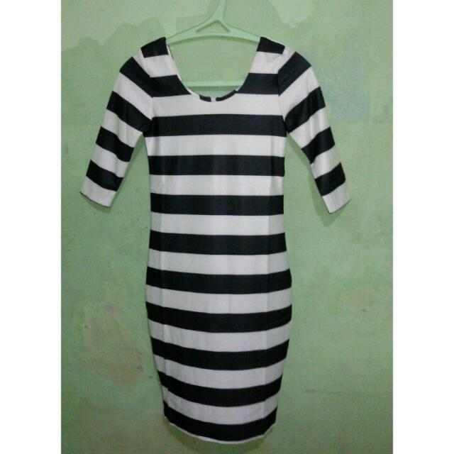 Black And White Dress (Fit To S)